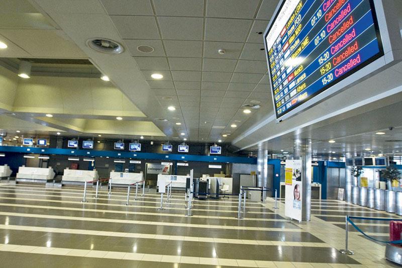 Οι 3 μνηστήρες για τα 14 Περιφερειακά αεροδρόμια.